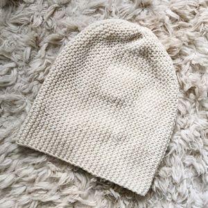 American Eagle Cream/White Slouch Knit Beanie